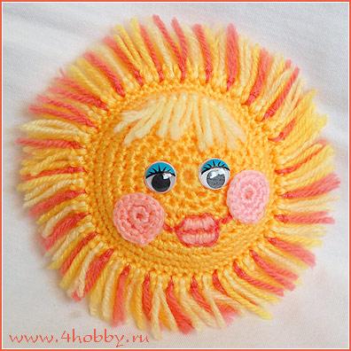 Вязанная игрушка 'Солнце с лучами-бахромой'